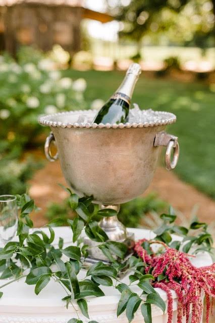 Outdoor-Barn-Wedding-North-Carolina009