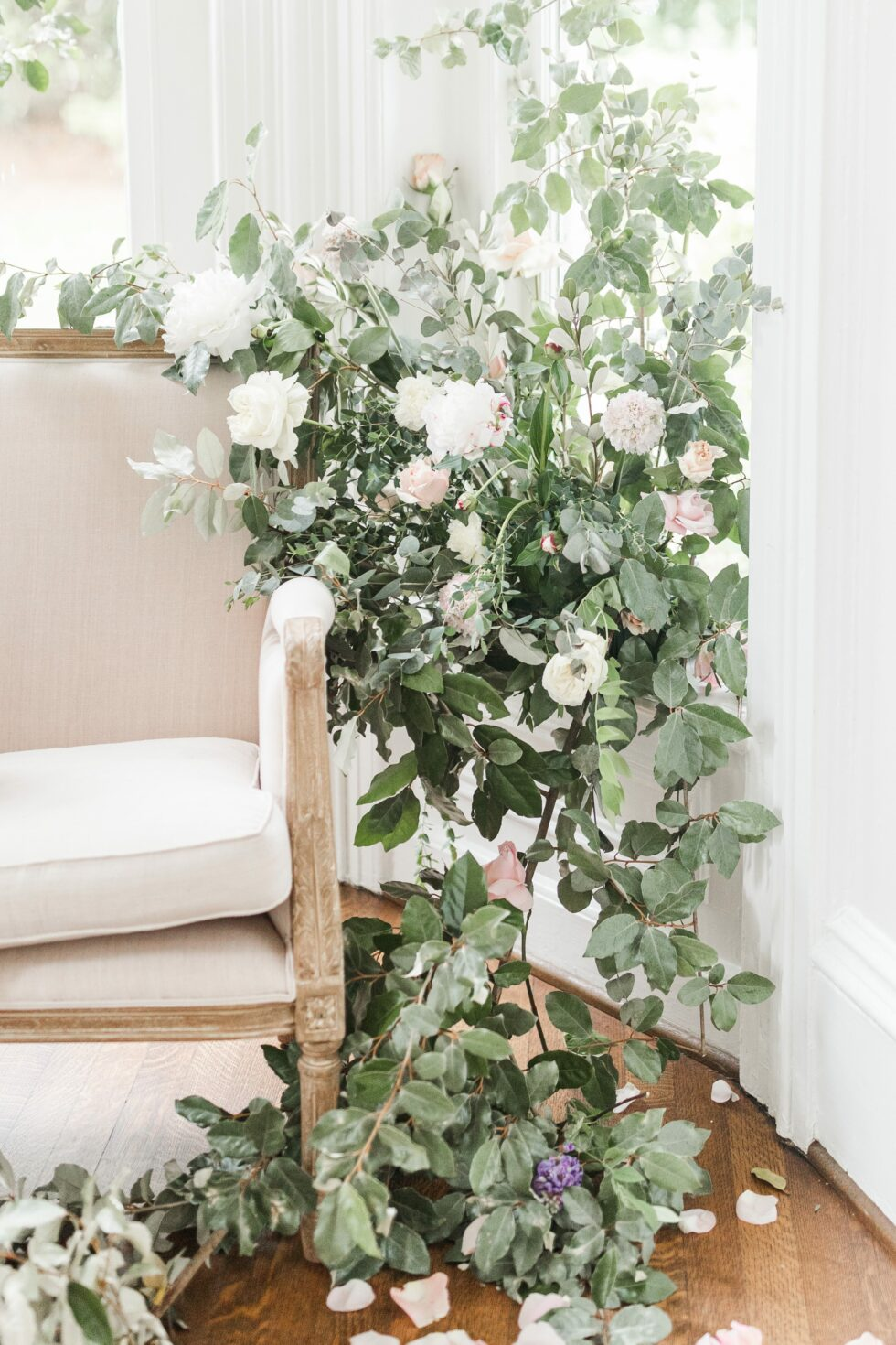 Romantic-Outdoor-Spring-Wedding-McAlister-Leftwich-House-22