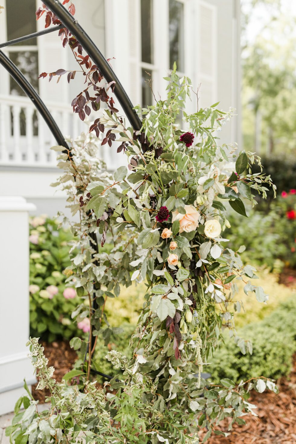 Romantic-Outdoor-Spring-Wedding-McAlister-Leftwich-House-24