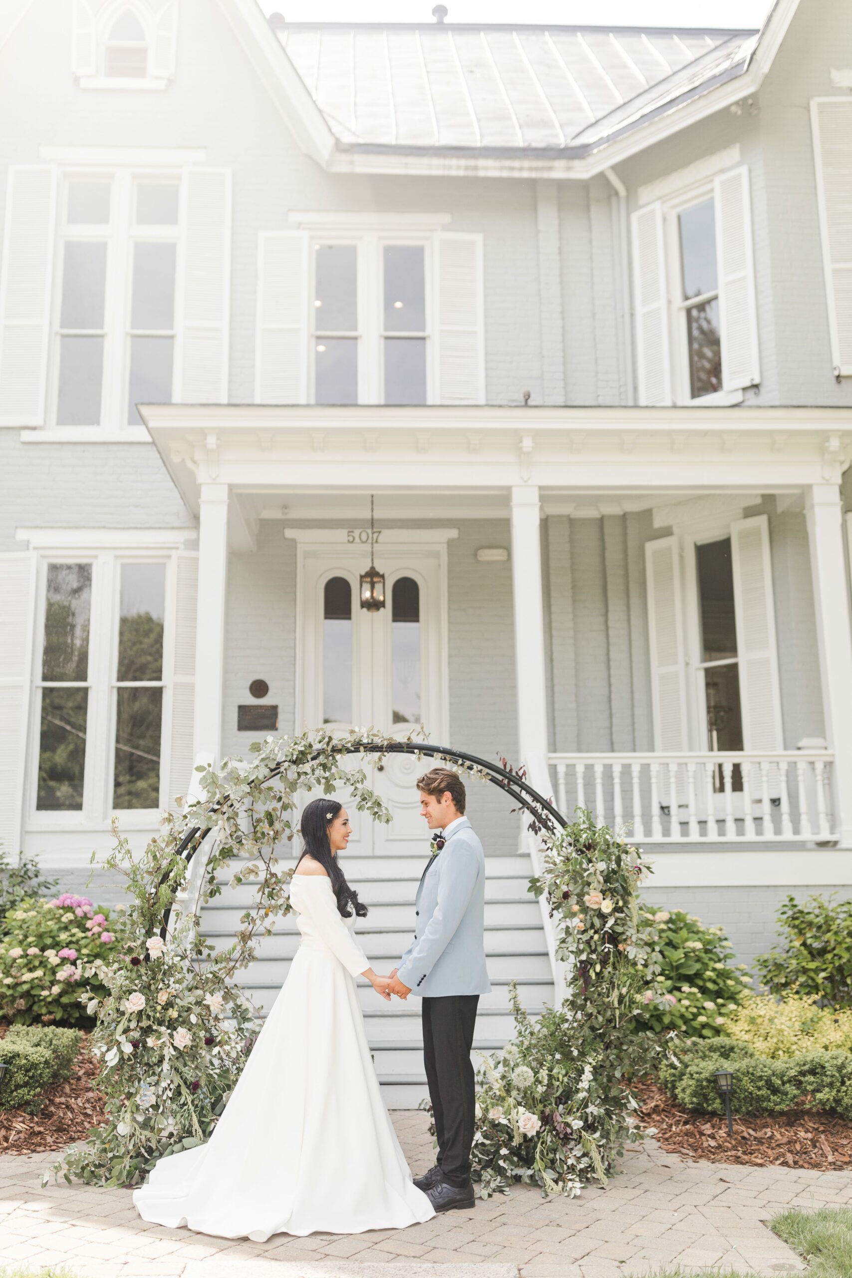 Romantic-Outdoor-Spring-Wedding-McAlister-Leftwich-House-26