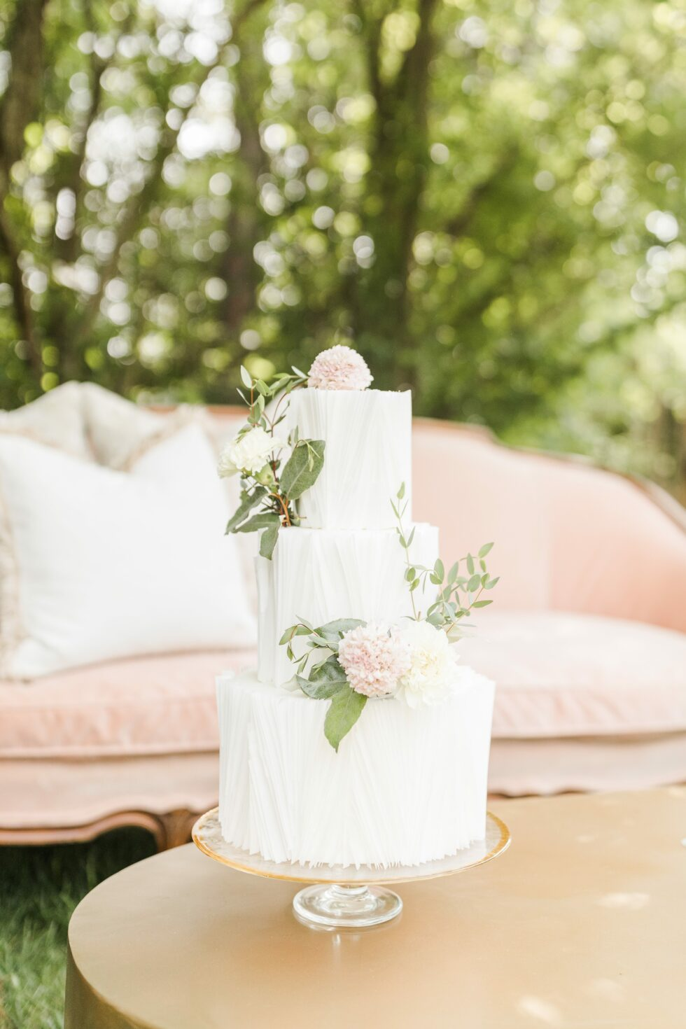 Romantic-Outdoor-Spring-Wedding-McAlister-Leftwich-House-27