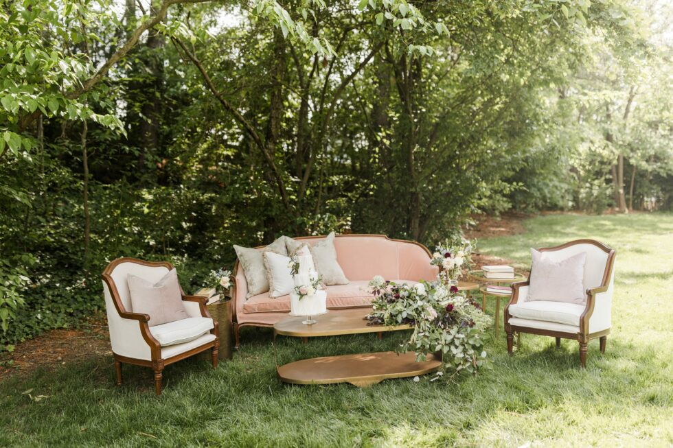 Romantic-Outdoor-Spring-Wedding-McAlister-Leftwich-House-28