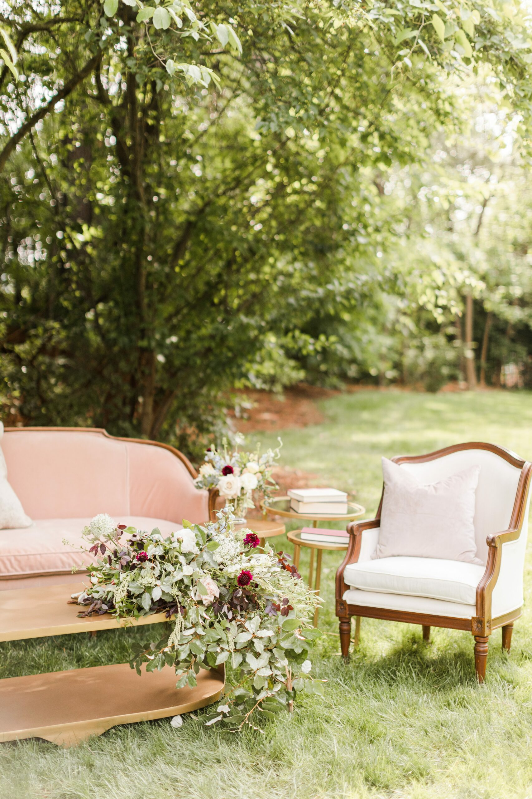 Romantic-Outdoor-Spring-Wedding-McAlister-Leftwich-House-31