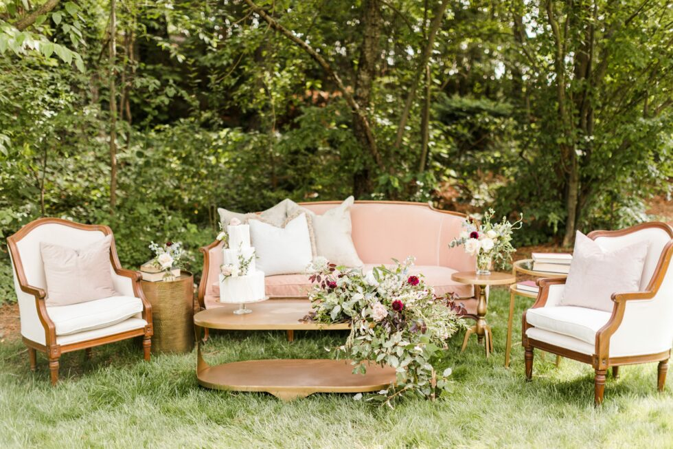 Romantic-Outdoor-Spring-Wedding-McAlister-Leftwich-House-32