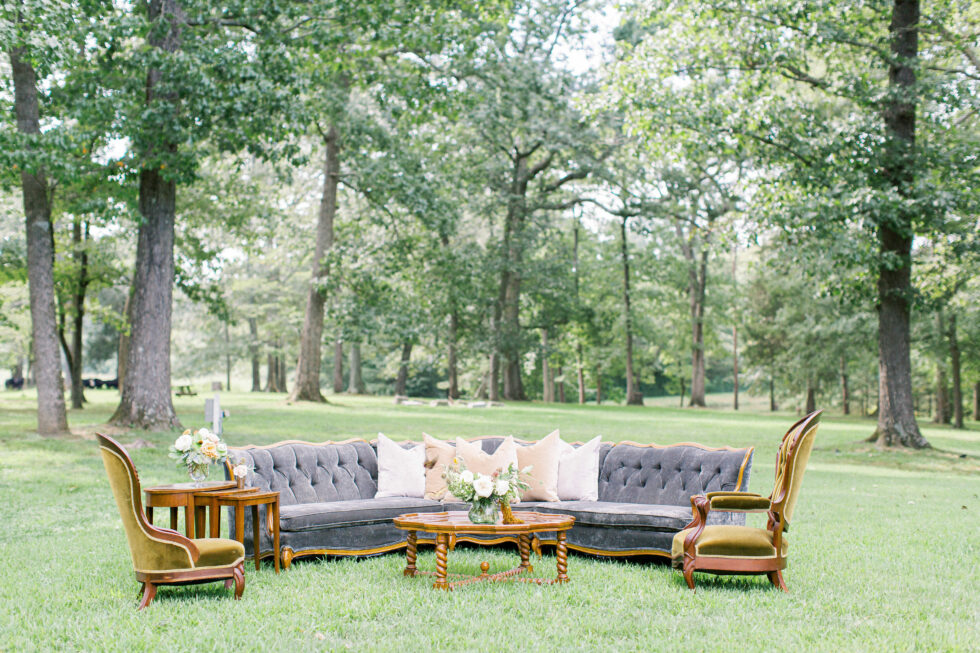 The-Prettiest-Pieces-Outdoor-Fall-Wedding-Summerfield-Farms02