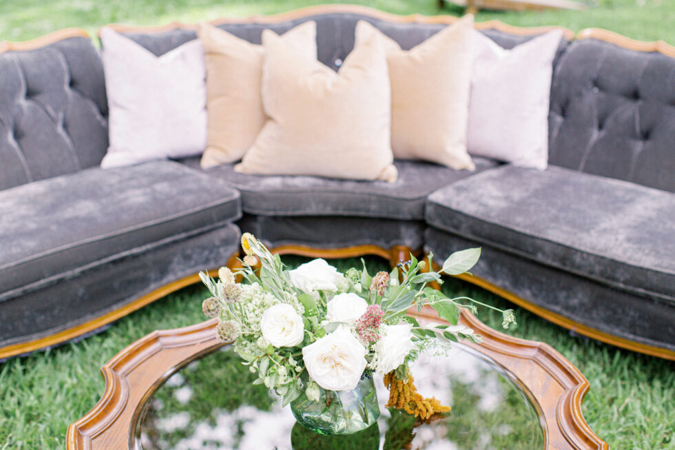 The-Prettiest-Pieces-Outdoor-Fall-Wedding-Summerfield-Farms03